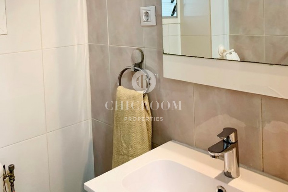 Three-bedroom apartment for rent in Vall D'Hebron, Barcelona