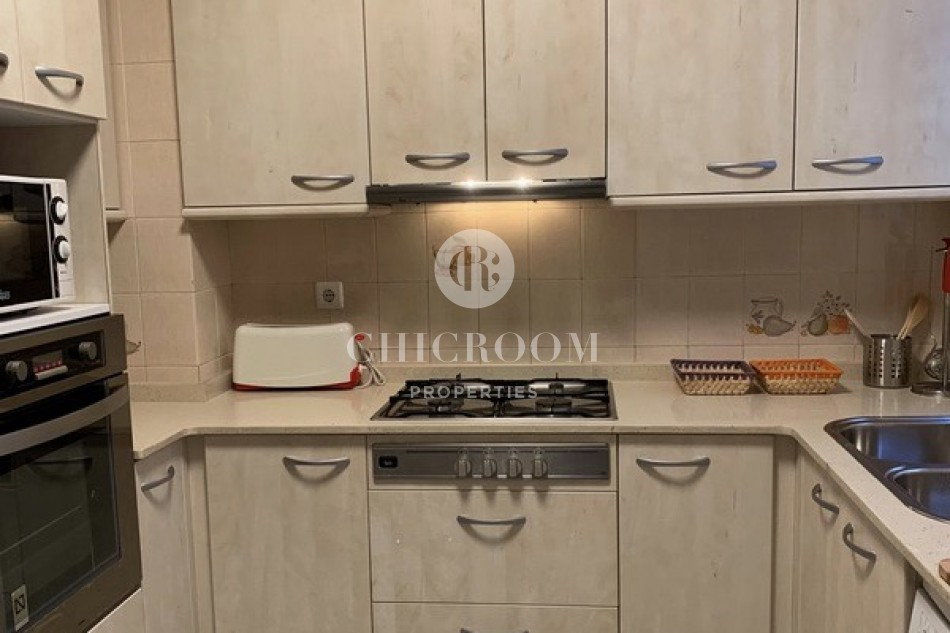 Furnished 3-bedroom apartment for rent in Barcelona