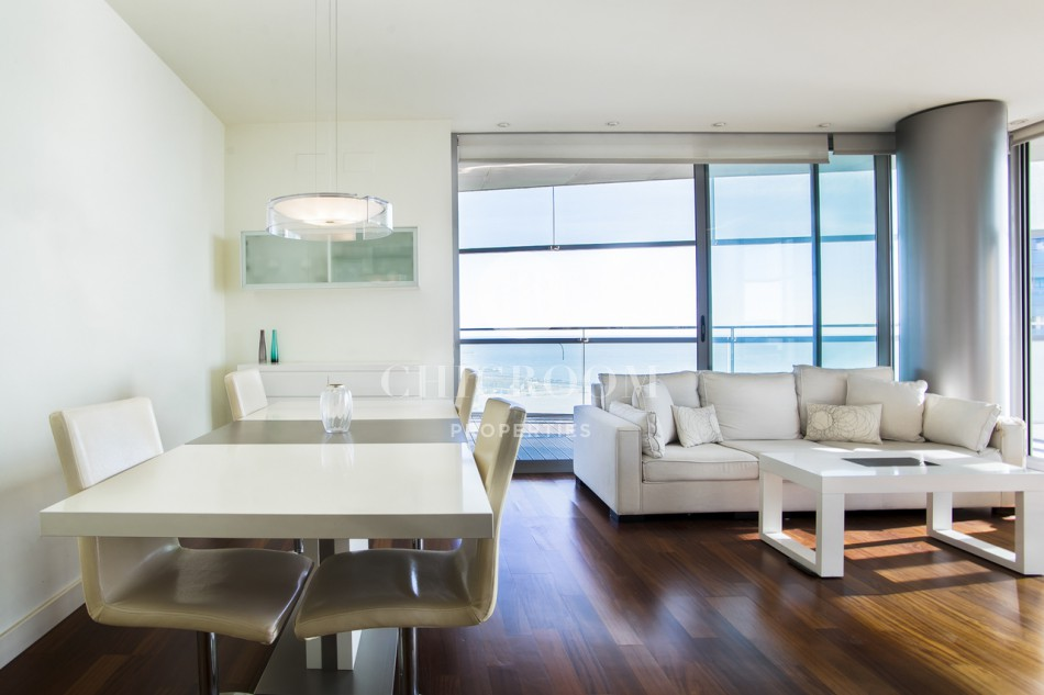 3 bedroom apartment for sale with impressive views next to Barcelona's beach