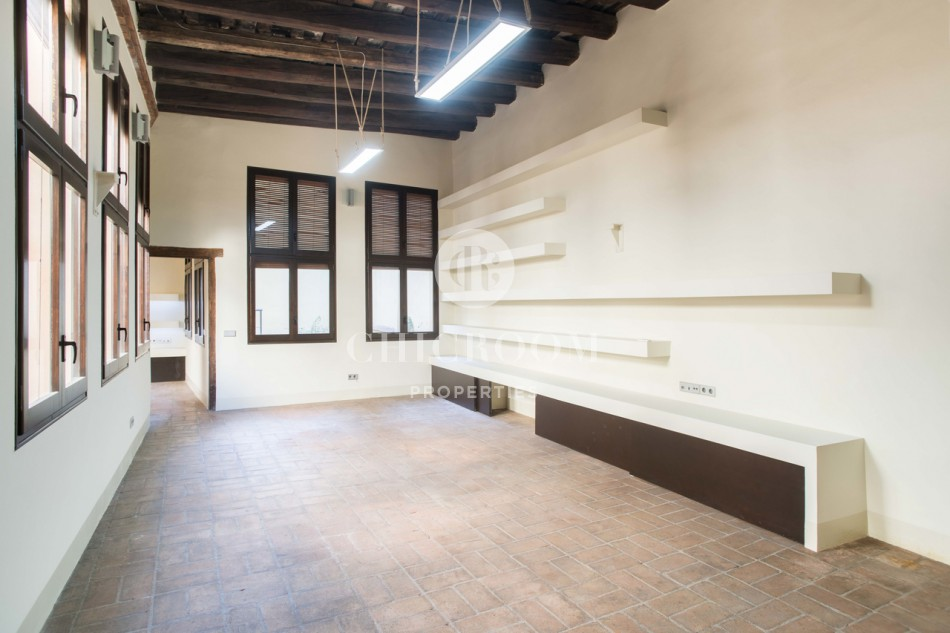 Historic 2 bedroom apartment for sale with a large terrace in the Gothic Quarter of Barcelona