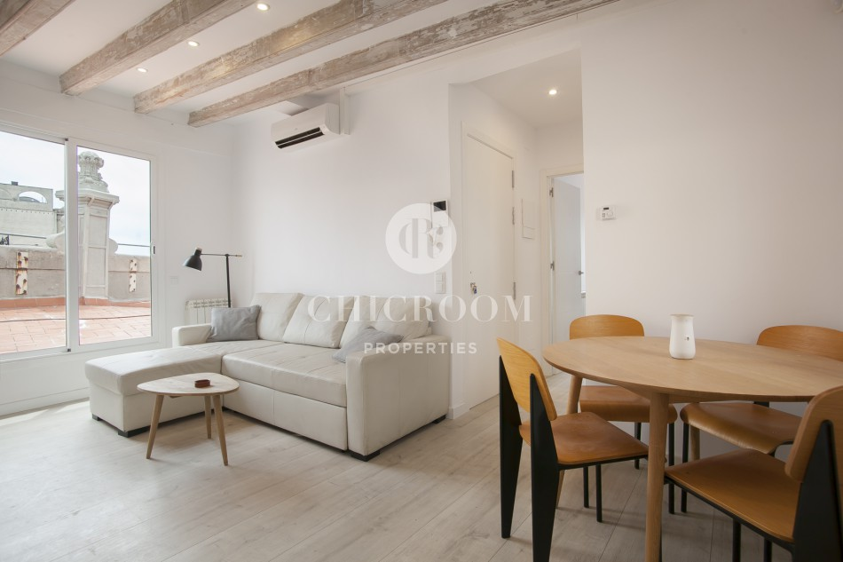 2-Bedroom Penthouse Apartment with Terrace on La Rambla