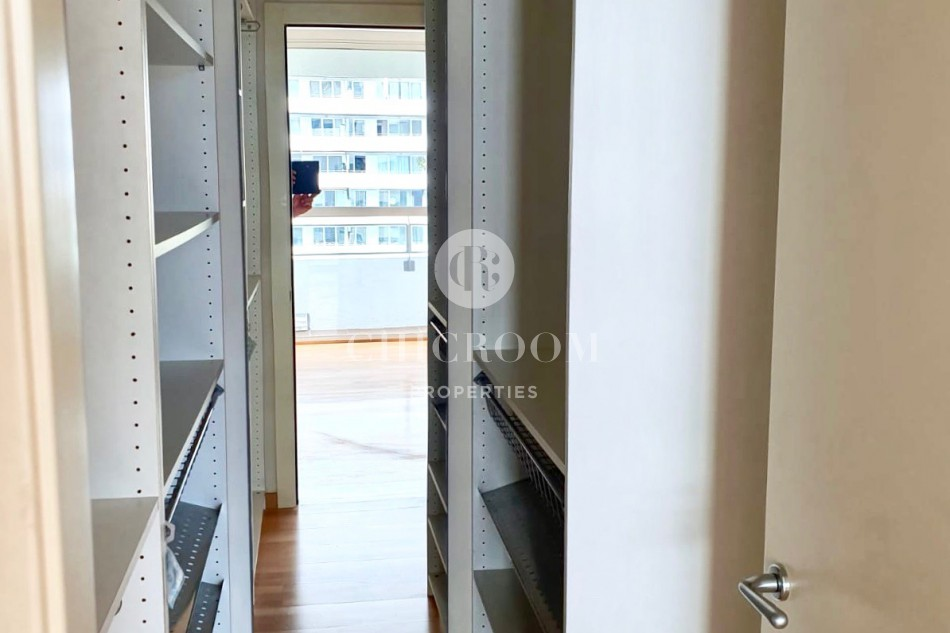 Unfurnished 3-bedroom apartment for rent in Diagonal Mar