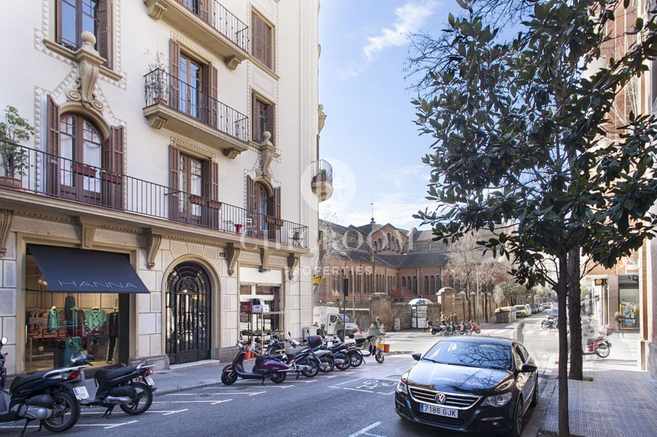 ONE BEDROOM DELUXE APARTMENT FOR RENT IN SANt GERVASI