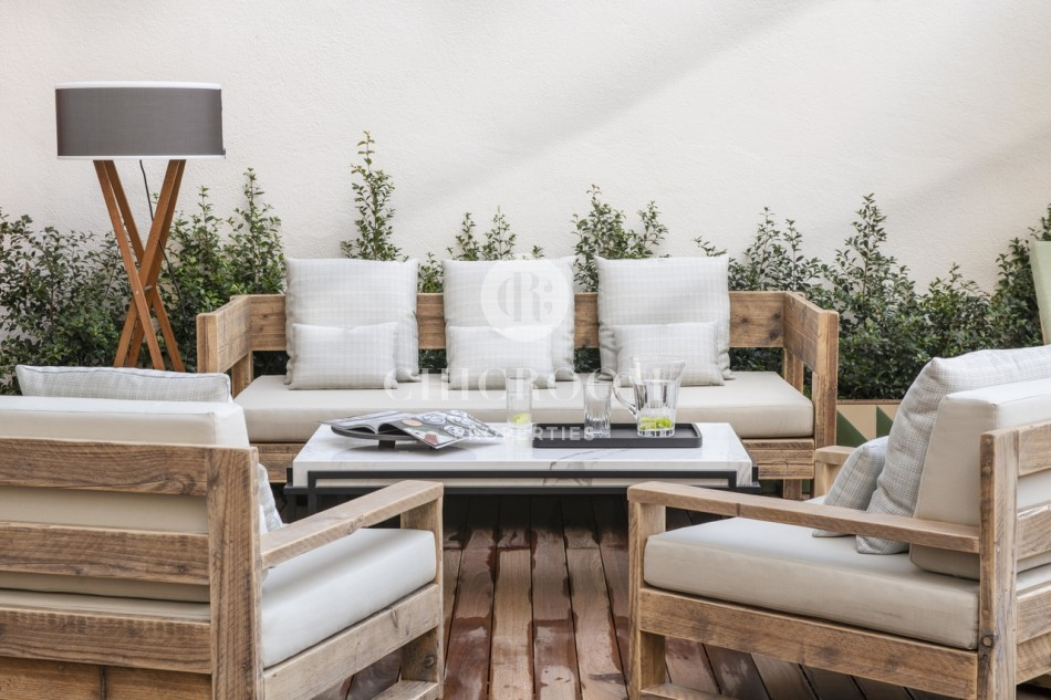 Luxury 3 bedroom apartment with private terrace in Paseo de Gracia