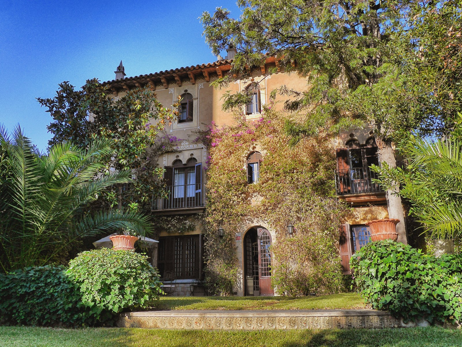 10 bedroom monastery house for sale in barcelona pedralbes for 10 bedroom mansion