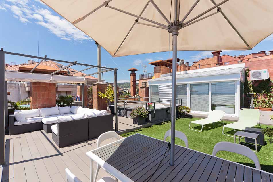 Luxury Furnished Apartment With Luxury Terrace With Pool