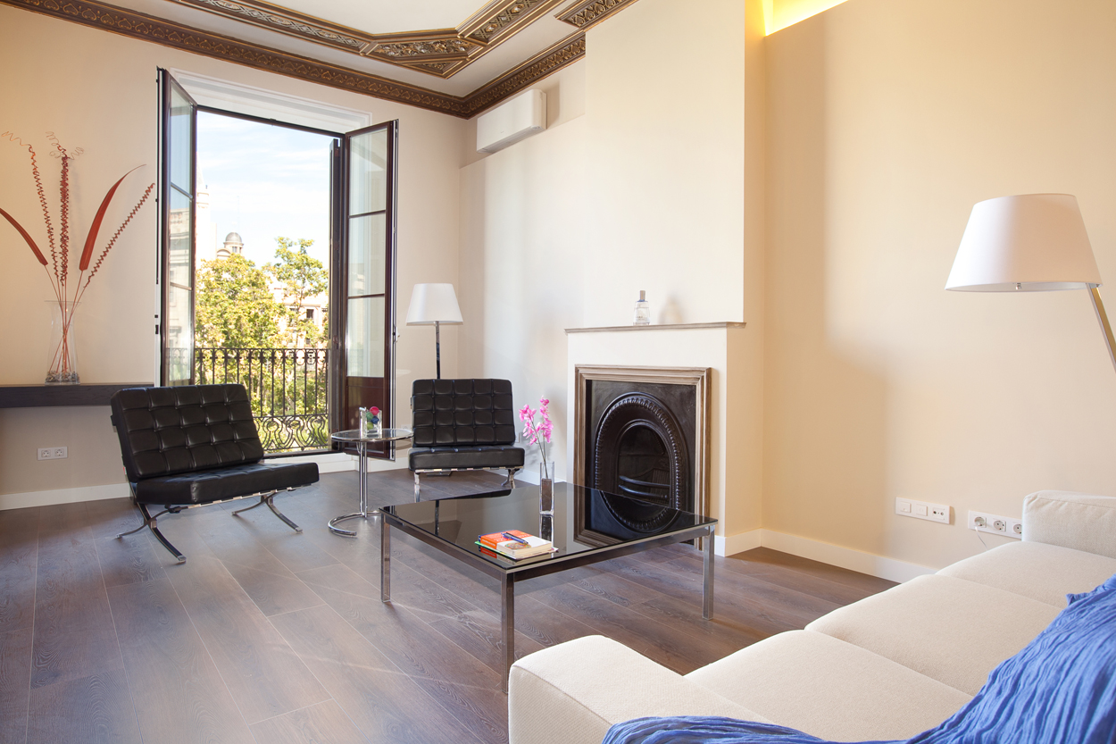 Furnished 3 bedroom apartment mid term rental in barcelona for 3 bedrooms apartments for rent