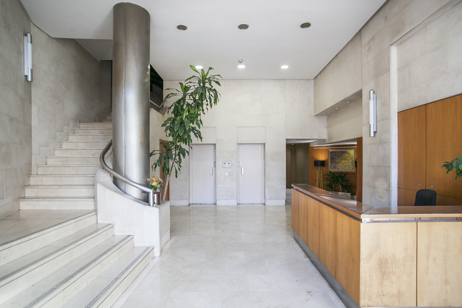 Furnished 1 bedroom flat for rent paseo de gracia barcelona for Chantry flats cabins rental