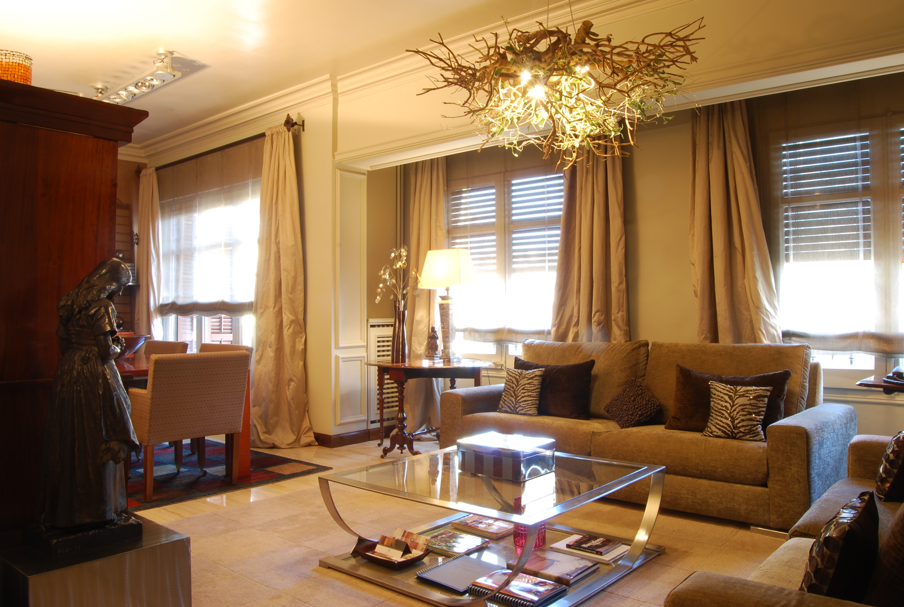 Furnished 4 bedroom flat for rent in Eixample