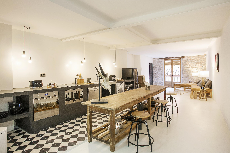 Furnished 1 bedroom flat to let in el born for Fotos de techos de casas