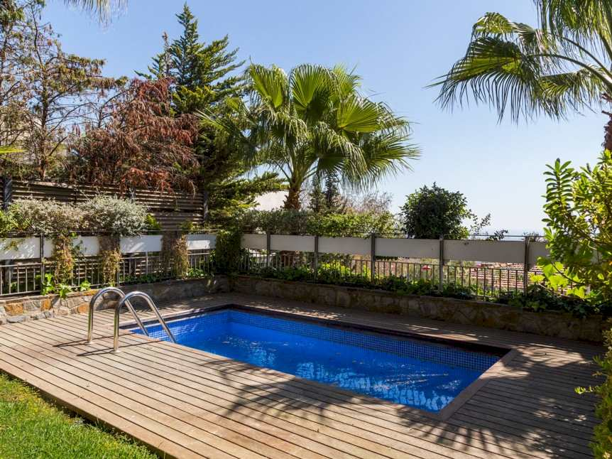 4 Bedroom Flat To Let With Pool In Sarria