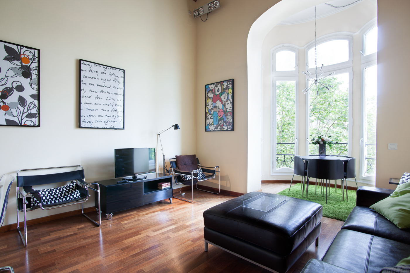 Furnished 2 bedroom apartment for rent near placa de catalunya for 3 bedrooms apartments for rent