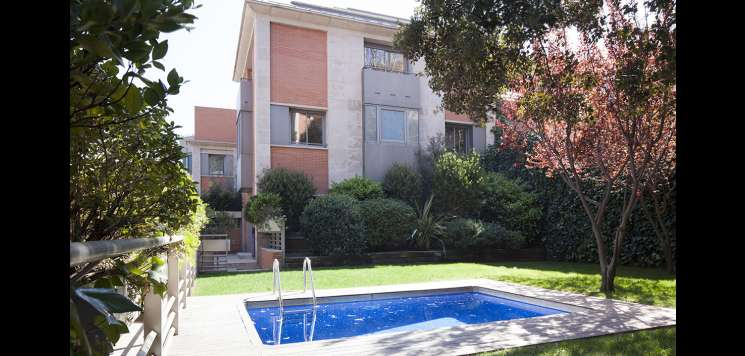 4 Bedroom House For Rent With Pool In St Gervasi