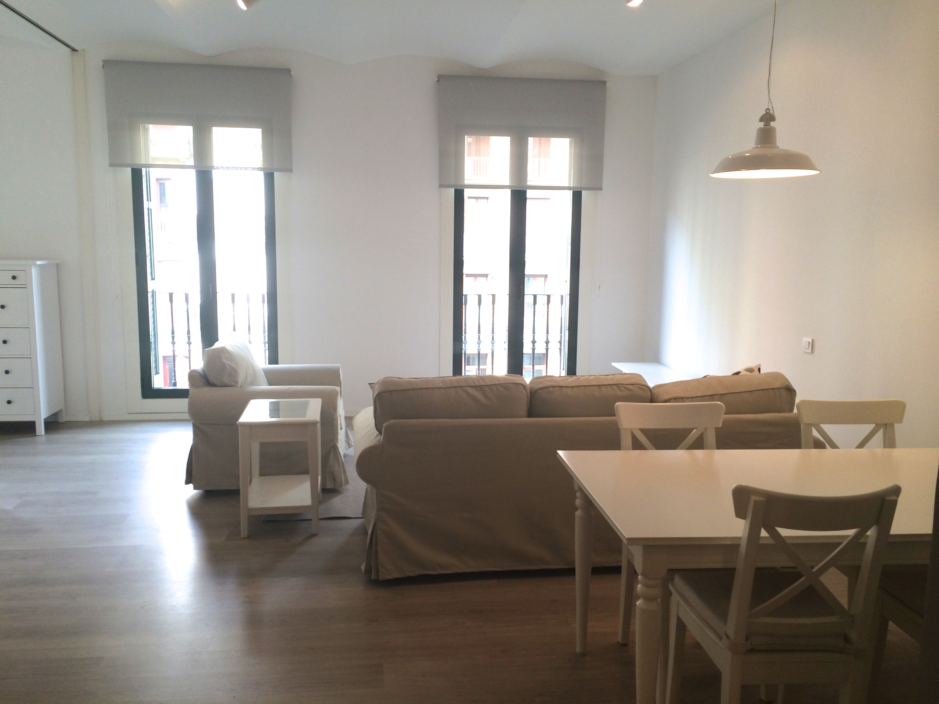 Furnished 3 bedroom apartment for rent placa catalunya for 3 bedrooms apartments for rent