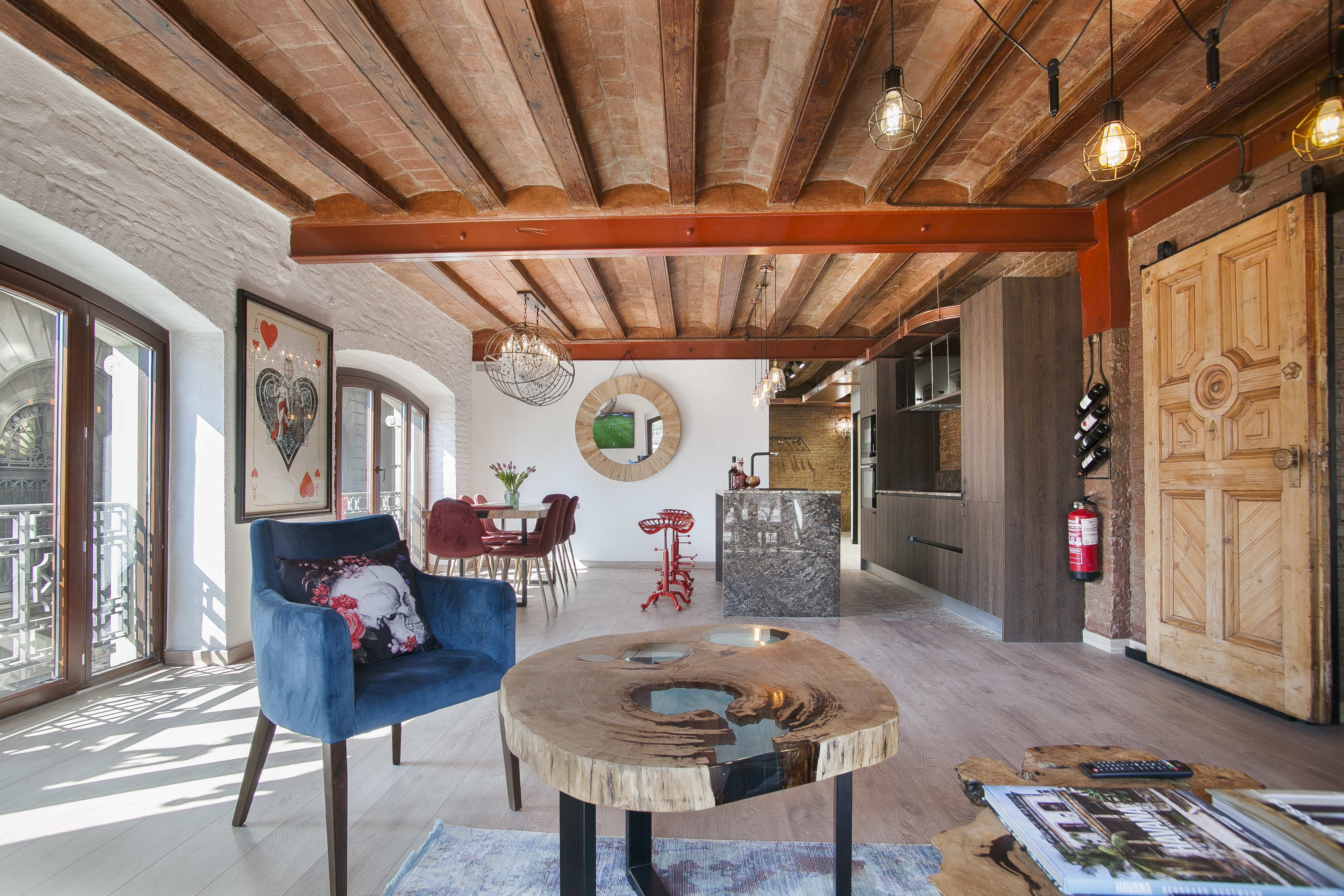 Seafront luxury apartment for sale in Gothic Quarter Barcelona